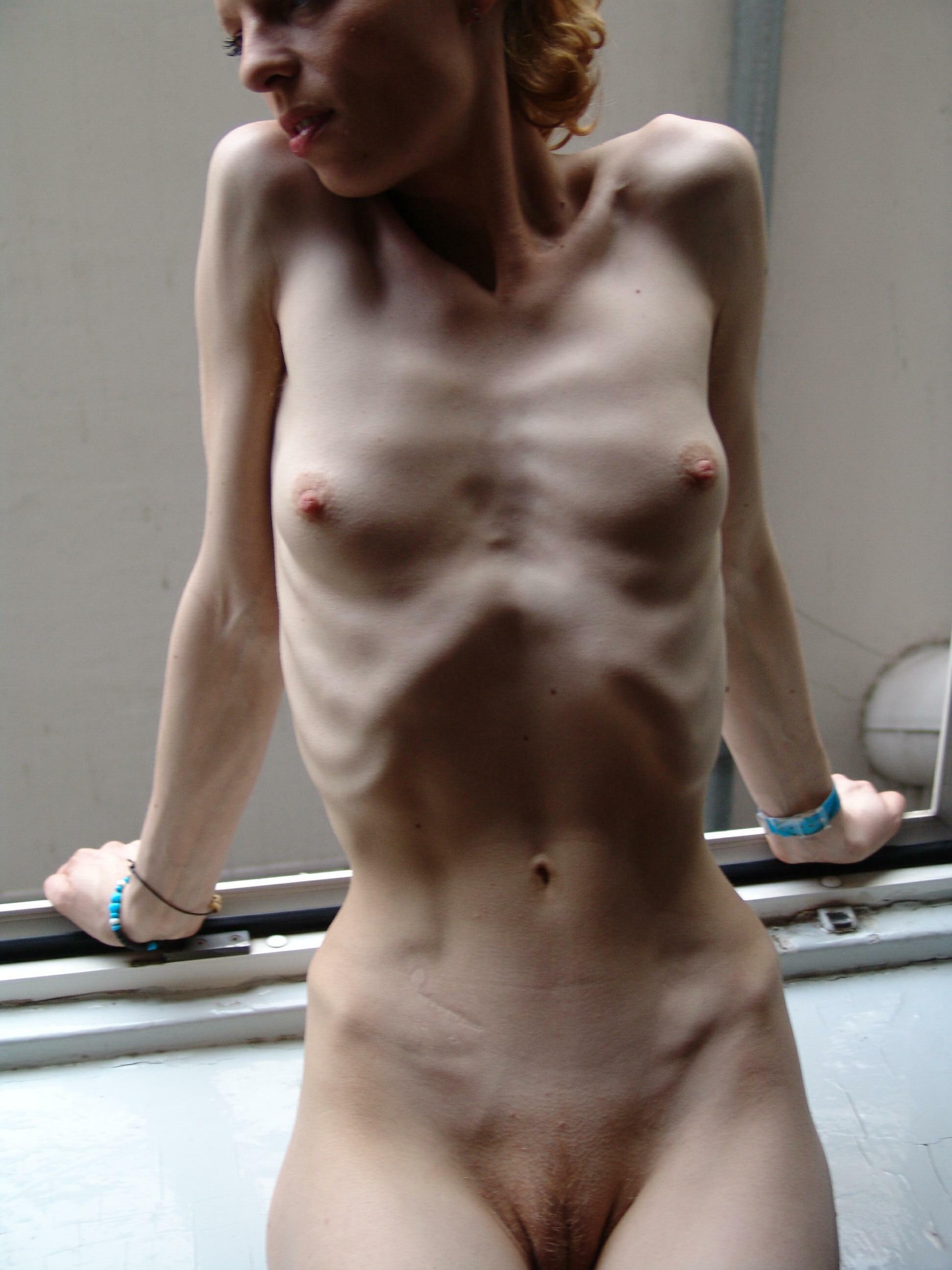 skinny nude babes